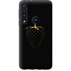 Чехол на Motorola One Macro Черная клубника (3585u-1812)